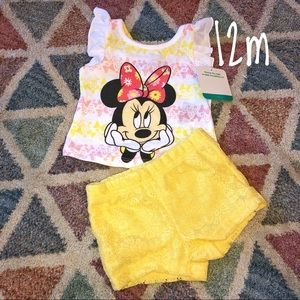 Minnie Mouse outfit! NWT
